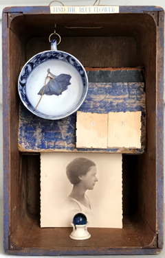 Antje Weber, Shadow box, Find the blue flower, Gemengde techniek/collage in een oude houten bak, 18x15x24 cm, €.130,-